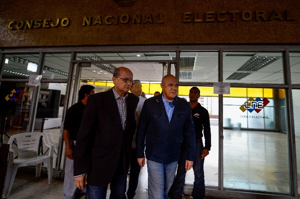 Poder electoral venezolano definirá proceso de validación para referendo