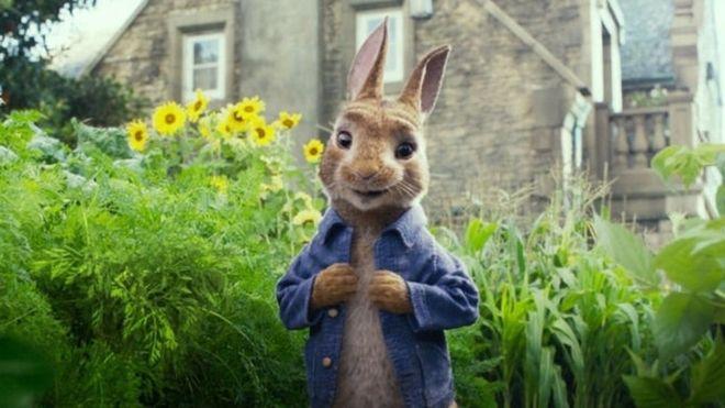 La película Peter Rabbit se estrenó este fin de semana en Estados Unidos y una escena causó revuelo. (Foto: Sony Pictures Entertainment)