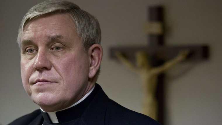 Arzobispo advierte sobre la admisión de personas Transexuales en seminarios católicos