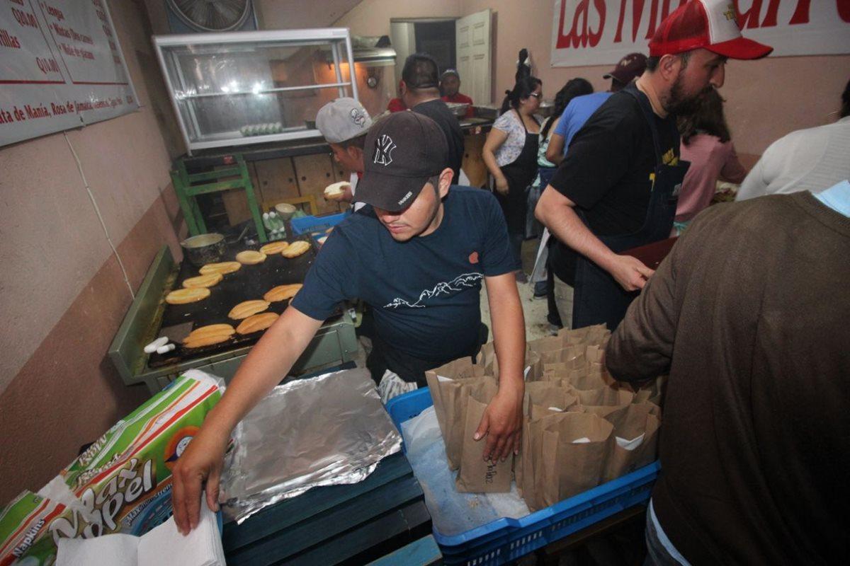 Tortas de la paz, la iniciativa que llevó comida a muchos en el Centro Histórico