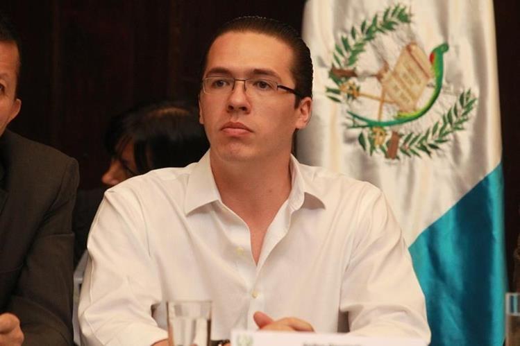 El antejuicio solicitado contra el diputado Felipe Alejos seguirá su trámite después del fallo del juez Mynor Moto. (Foto Prensa Libre: Hemeroteca PL)