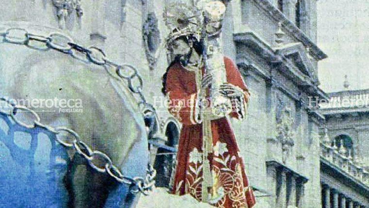 Jesús de La Merced en su procesión del Viernes Santo de 1978. Foto: Hemeroteca PL