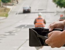 """pago de tarjetas de crédito y compra de útiles escolares se convierten en la """"cuesta"""" para miles de personas en el país. Como resultado mala administración financiera, muchos arrastran abultadas deudas innecesarias."""