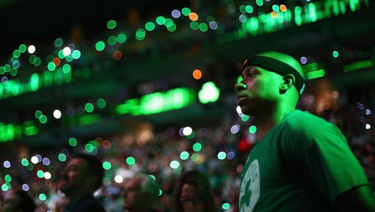 Isaiah Thomas es la figura de los Celtics de Boston. (Foto Prensa Libre: AFP)