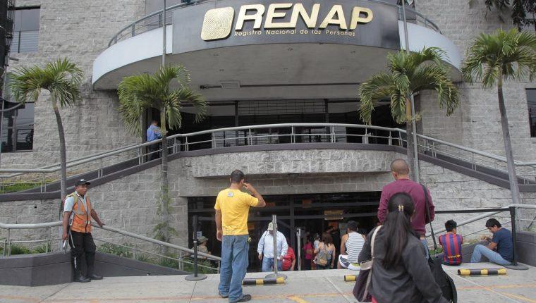Fachada de la sede del Registro Nacional de las Personas (RENAP) en el Edificio Korea Center, Calzada Roosevelt zona 11.  FOTO: Alvaro Interiano. 06/05/2014