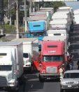 Ministerio de Comunicaciones oficializó la restricción de circulación del transporte pesado durante las celebraciones de fin de año. (Foto Prensa Libre: Hemeroteca PL)