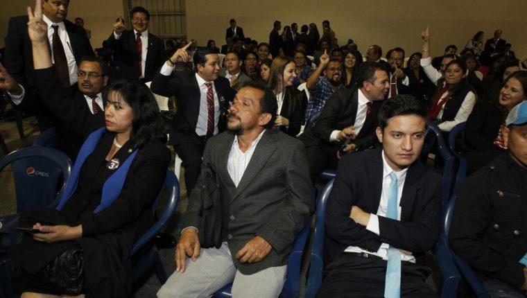 Votaciones para elegir a la junta directiva del Cang el viernes último, en el parque de la Industria.(Foto Prensa Libre:Hemeroteca PL)