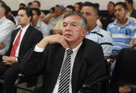 Víctor Hugo Soto Diéguez, exjefe de la PNC, escucha la sentencia condenatoria que le impuso el Tribunal Primero B de Mayor Riesgo.