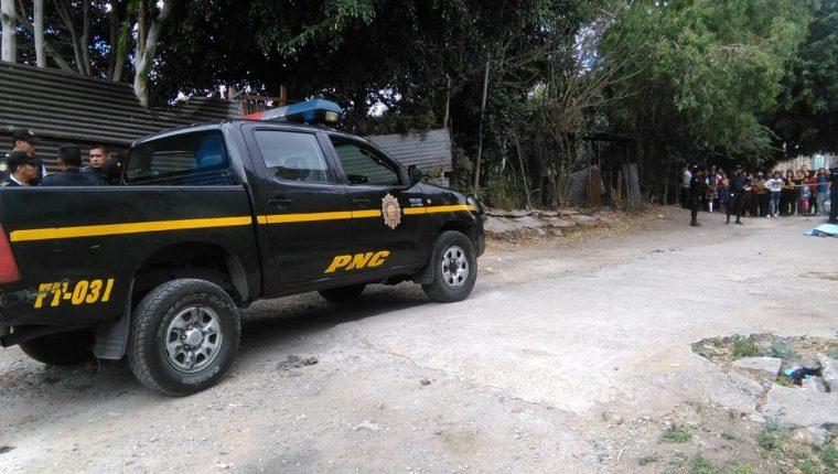 Una mujer murió en un ataque armado en Villalobos, su hijo de dos meses quedó fue herido. (Foto Prensa Libre: Estuardo Paredes)