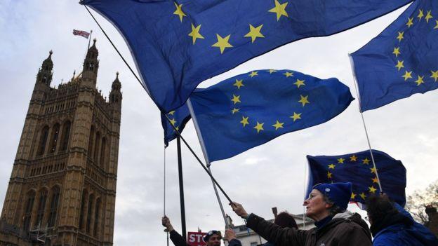 Para algunos comentaristas, todavía no es demasiado tarde para evitar el Brexit. EPA