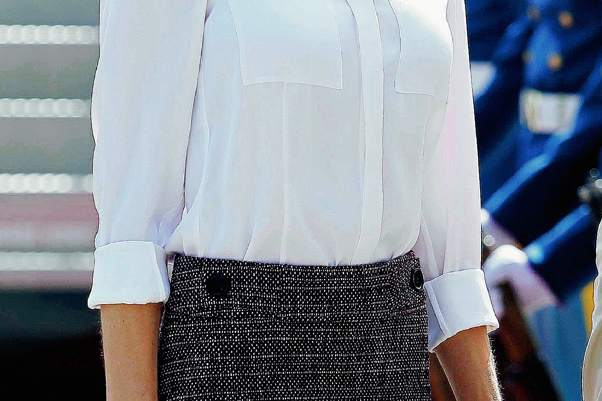 La reina Letizia arribó este martes a El Salvador. (Foto Prensa Libre: AP).