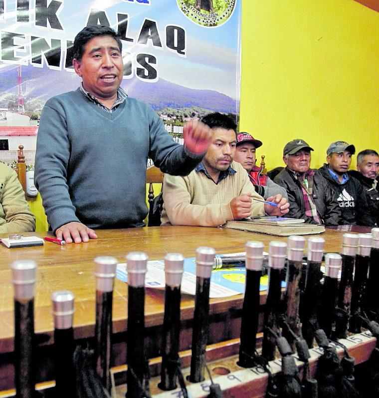 Chuatroj está organizada por un consejo de autoridades comunitarias que administran los servicios y delegan responsabilidades en la población. (Foto Prensa Libre: Paulo Raquec)