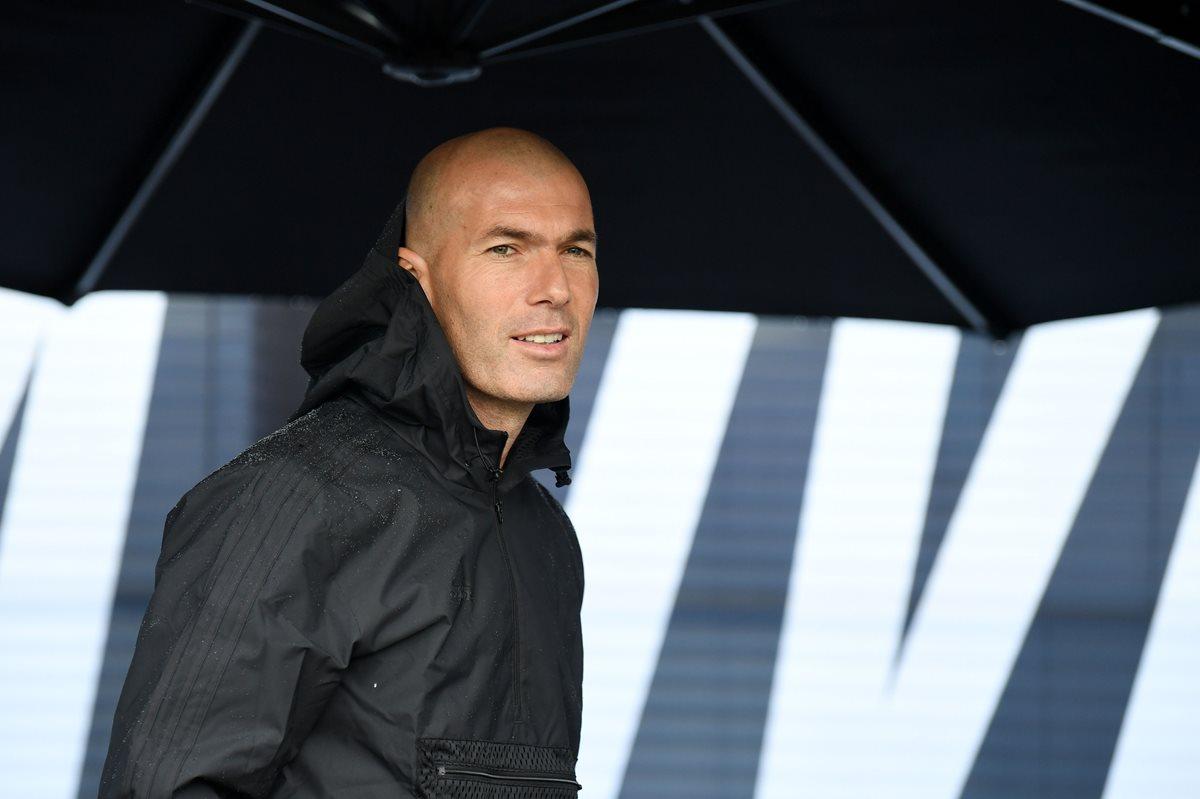 Zinedine Zidane asistió a la inauguración de un parque infantil de Adidas en Saint-Denis. (Foto Prensa Libre: AFP)