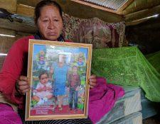 Isabel Vásquez, abuela de Katerine, recuerda con nostalgia a su nieta. (Foto Prensa Libre: Rigoberto Escobar)