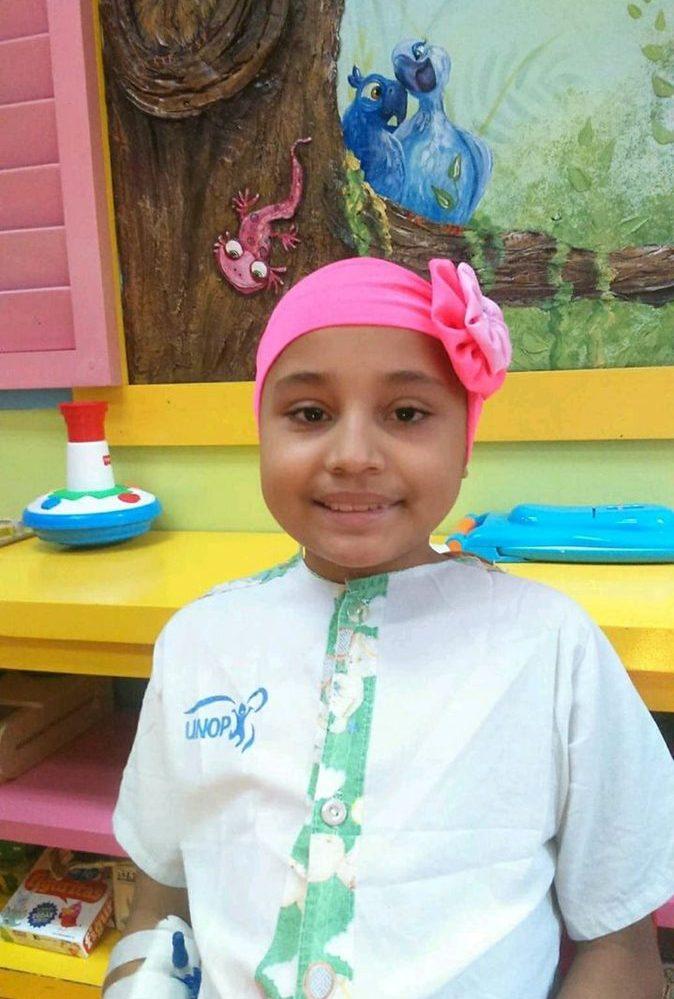 Karen de nueve años, recibe su tratamiento de quimioterapia en las instalaciones de Unop. (Foto Prensa Libre: Cortesía David Espinoza)