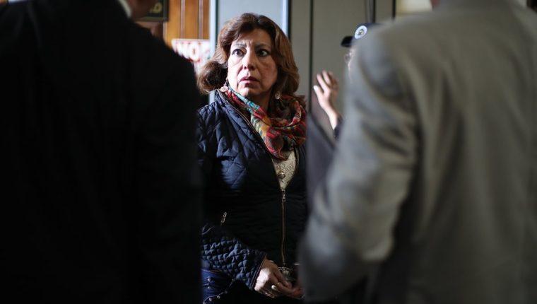 La exregistradora Anabella de León durante la audiencia de este martes. (Foto Prensa Libre: Paulo Raquec).