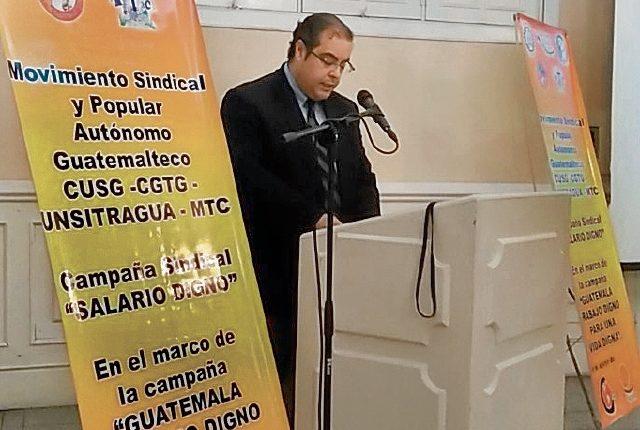El presidente del Cacif, José González-Campo, participó en la actividad sindical.