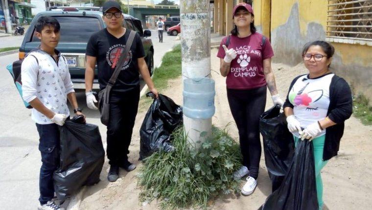 Quienes adopten los basureros serán los encargados de vaciarlos y procurar que estos estén en buenas condiciones. (Foto Prensa Libre: María Longo)