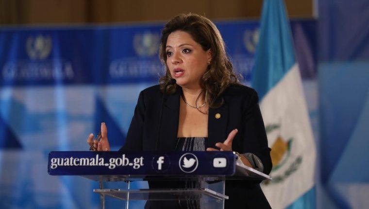 Ministra de Relaciones Exteriores, Sandra Jovel, en conferencia de prensa. (Foto Prensa Libre: Esbin García)