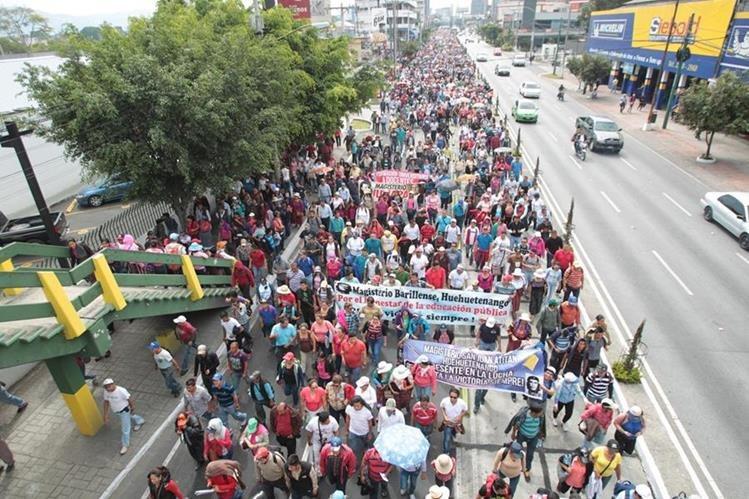 El dictamen para la ampliación presupuestaria del Ministerio de Finanzas que se usará para cumplir con el pacto colectivo. (Foto Prensa Libre: Hemeroteca PL)
