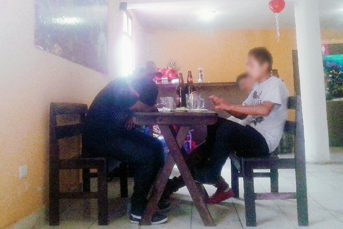 Cantinas venden licor a menores en Xela