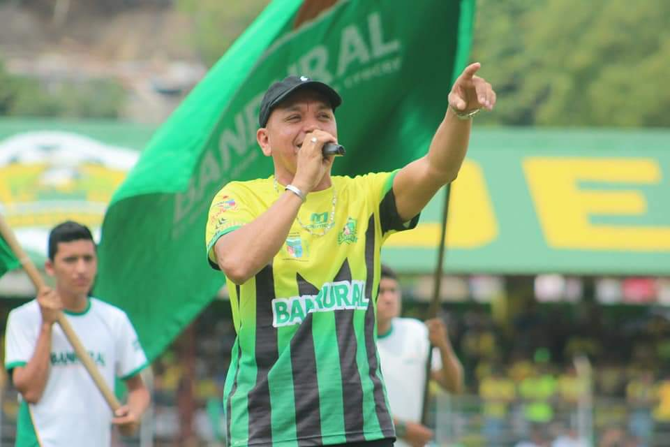 Maiki Maike es querido por sus canciones pegajosas en honor al cuadro pechoamarillo. (Foto Prensa Libre: Cortesía Mynor Falla)