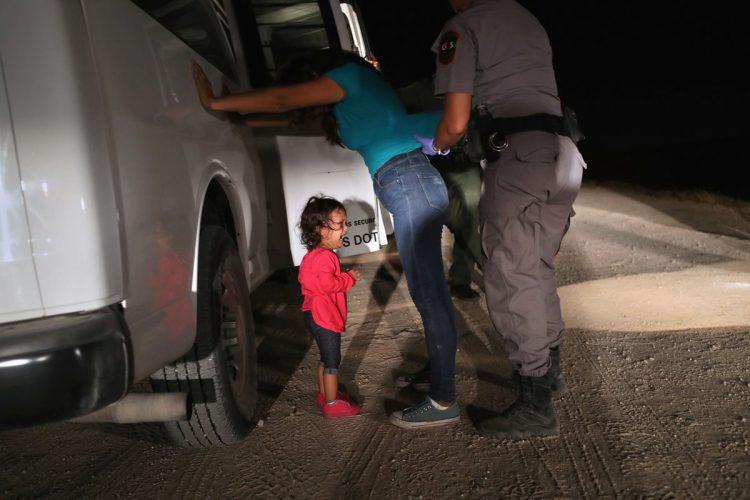 """En los últimos días Estados Unidos ha puesto en práctica su política """"cero tolerancia"""" contra inmigrantes que crucen su frontera de manera ilegal."""