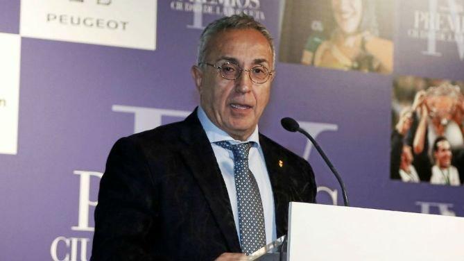 El presidente del Comité Olímpico Español, Alejandro Blanco afirma que aún no puede comentar sobre la detención de Ángel María Villar. (Foto Prensa Libre: Twitter)