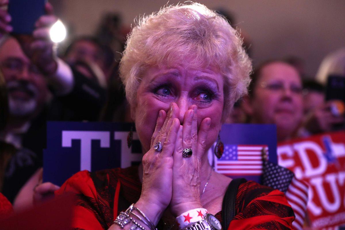 Así reaccionó esta seguidora, tras escuchar que Ted Cruz logró la elección en Houston.