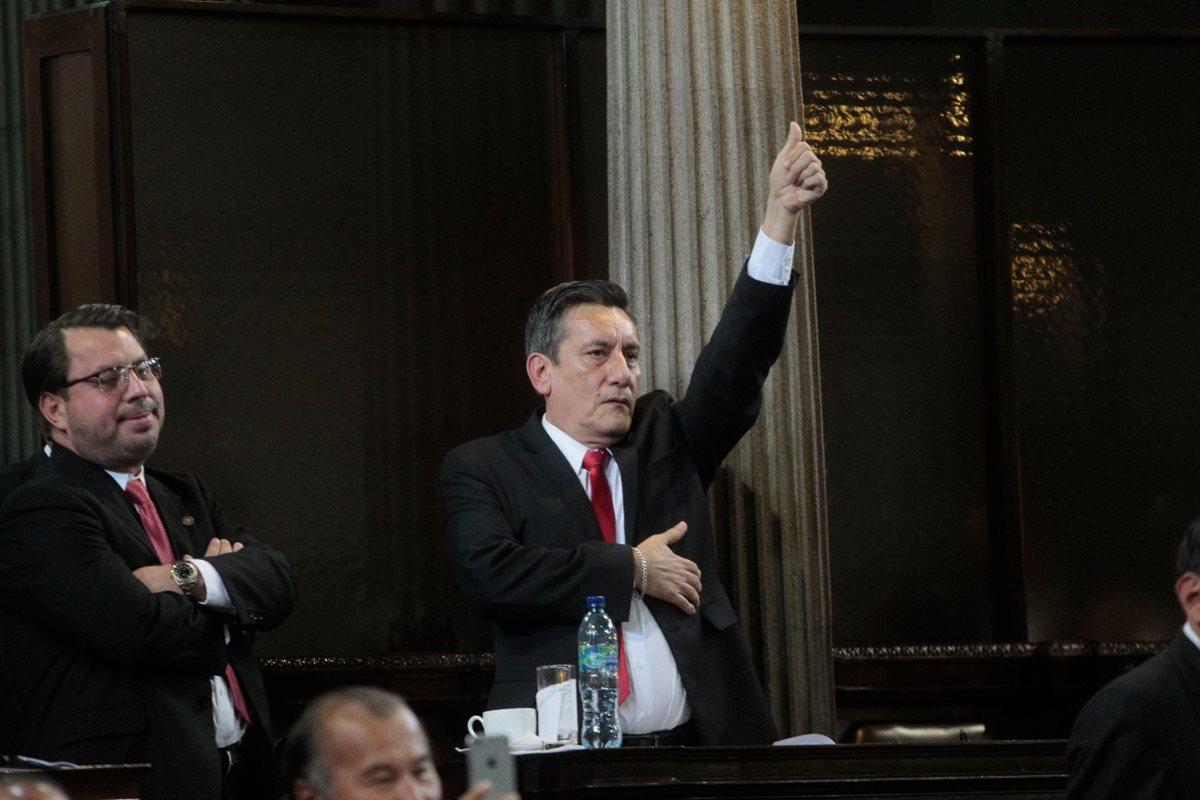 Exdiputado de Líder Roberto Villate es beneficiado y juez dicta falta de mérito