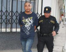 Emilio Nájera y Nájera, 19, detenido por la Policía Nacional Civil (Foto Prensa Libre: Hugo Oliva)