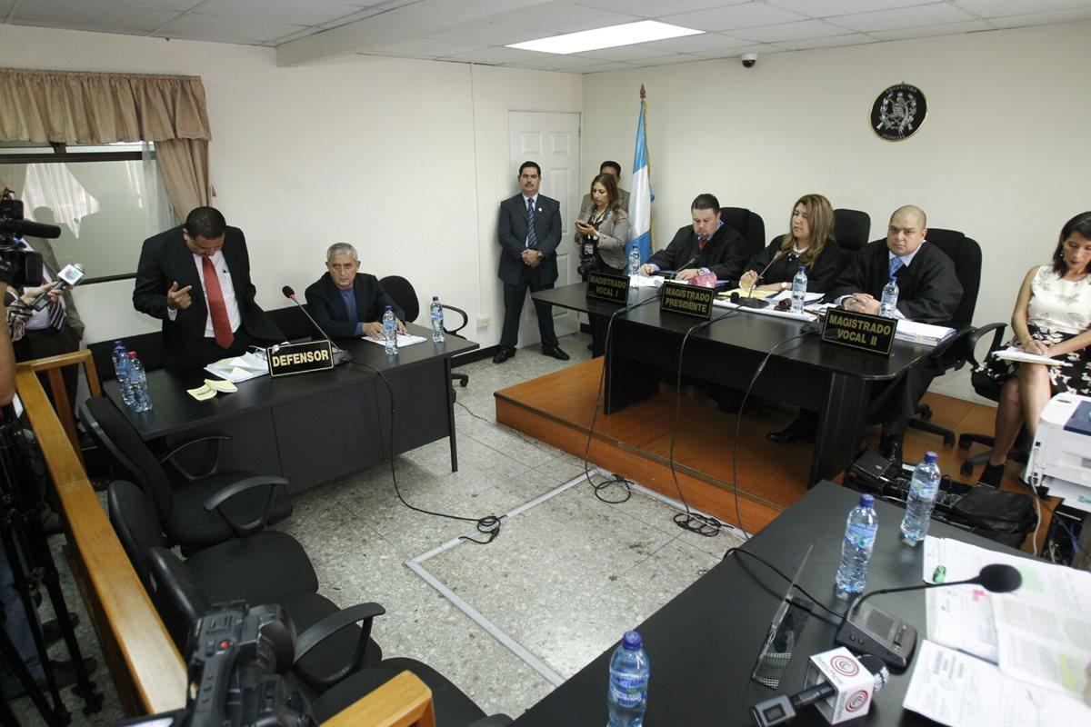 Cuentas de Pérez Molina continuarán embargadas