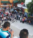 La PNC acordonó el área donde quedaron evidencias del ataque armado. (Foto Prensa Libre: Antonio Jiménez)