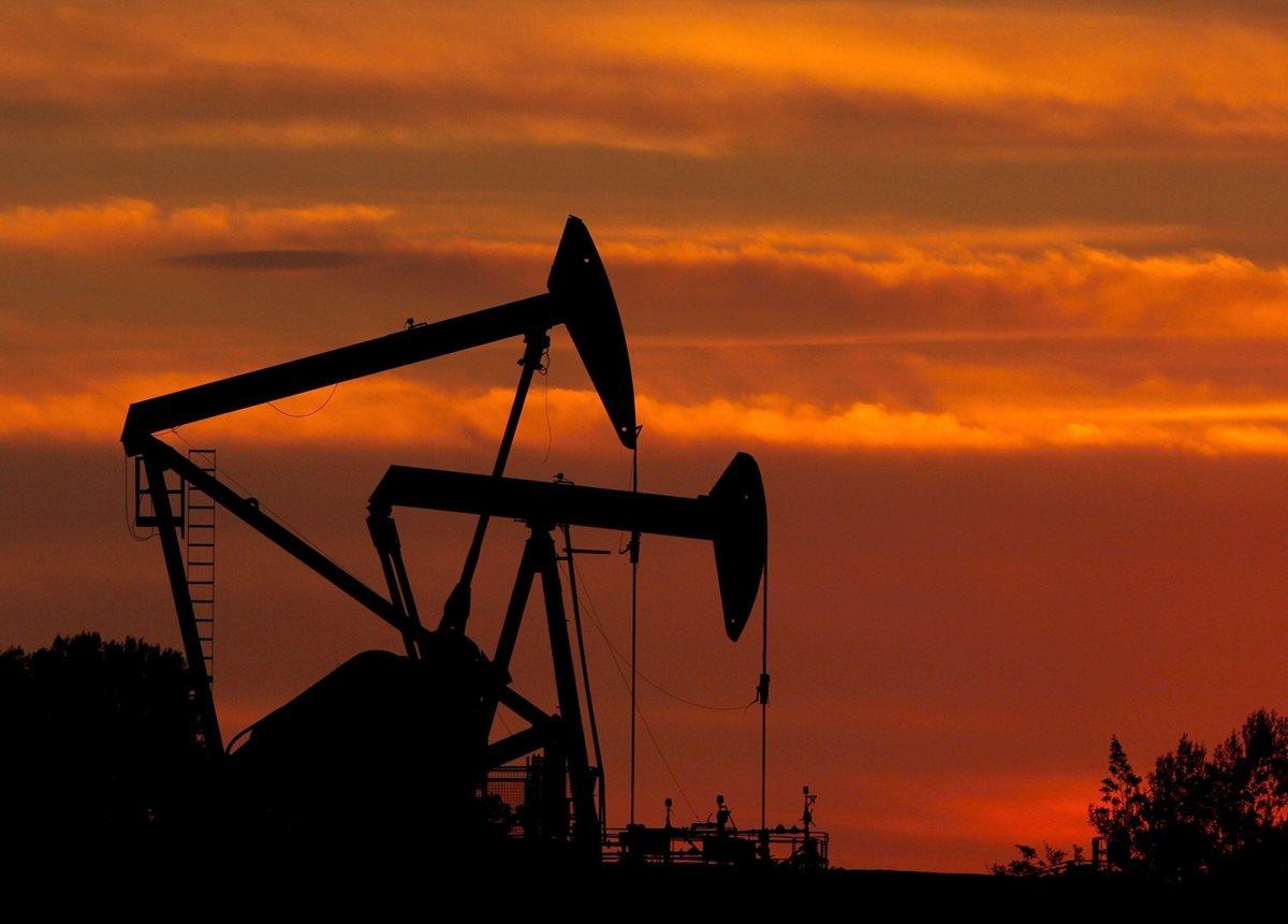 Precio del petróleo cierra primera semana de 2016 a la baja