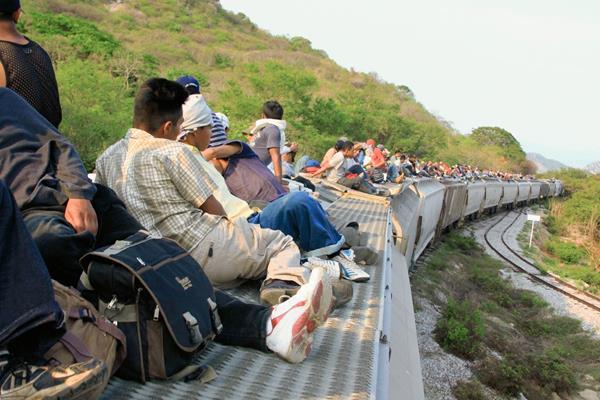 Migrantes arriesgan la vida durante su travesía hacia Estados Unidos. (Foto Prensa Libre: Hemeroteca PL)