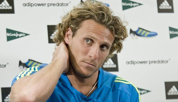 Diego Forlán elogió el funcionamiento de la selección española, pero dijo que le hacía falta algo en la delantera. (Foto Prensa Libre: Hemeroteca)