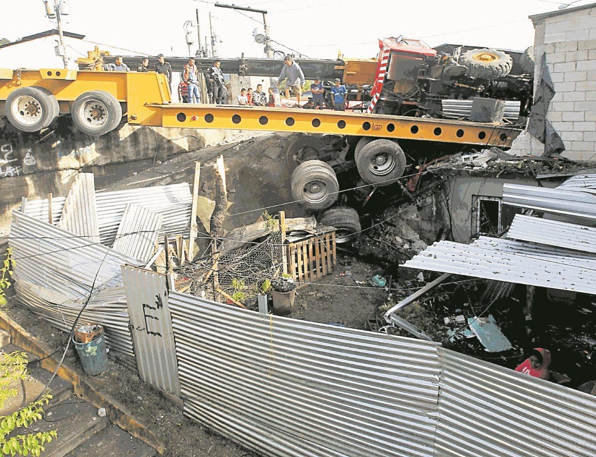 Pilotos de trailer y camiones dicen que deben luchar contra el sueño en trayectos largos.(Foto Prensa Libre:Hemeroteca PL)