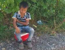 La fotografía del niño que vende helados y que fue asaltado en La Tinta, Alta Verapaz, se ha hecho viral. (Foto Prensa Libre: Eduardo Sam)