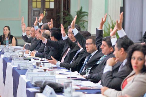 Comisionados aprueban las modificaciones a la tabla de gradación para calificar a los aspirantes a magistrados de Apelaciones.