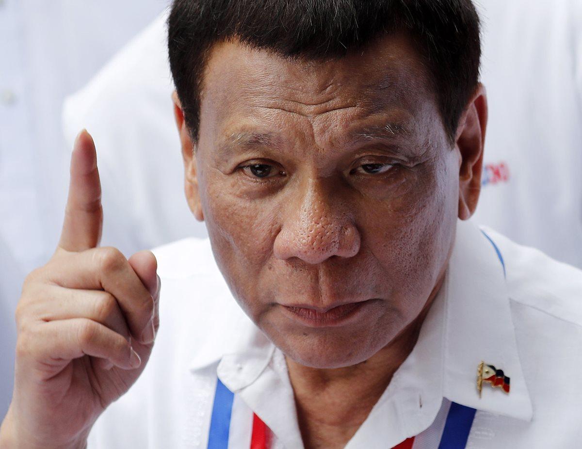 Duterte es conocido por ser un mujeriego confeso y por sus discursos fuera de tono. (Foto Prensa Libre: AFP)