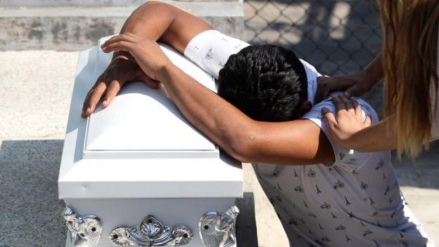 México enfrenta una creciente ola de violencia y asesinatos, lejos del foco de atención mundial. AFP