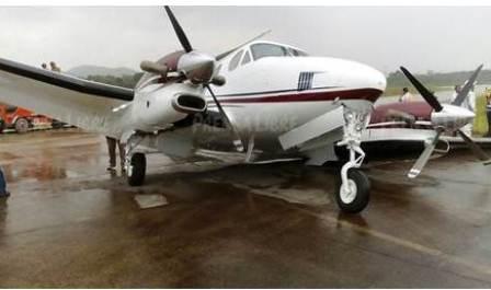 Aeronave accidentada en Petén. (Foto Prensa Libre: Rigoberto Escobar).