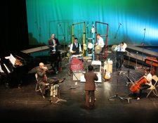 La Orquesta Sincrética de Guatemala fue fundada por el compositor Áxel Avendaño en el 2013. (Foto Prensa Libre, cortesía del Teatro Nacional)