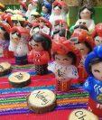 Resaltan indumentaria maya de los municipios de Guatemala en velas de cera. (Foto Prensa Libre: Fred Rivera)