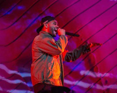 El cantante etíope-canadiense The Weeknd, durante su presentación en el festival Coachella, en Indio, California. (Foto Prensa Libre, AFP).