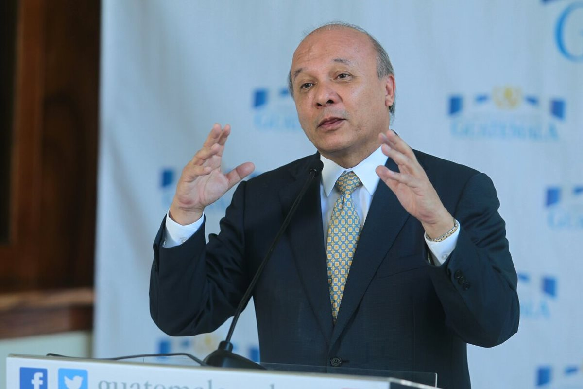 Viceministro denuncia compras irregulares por Q850 mil