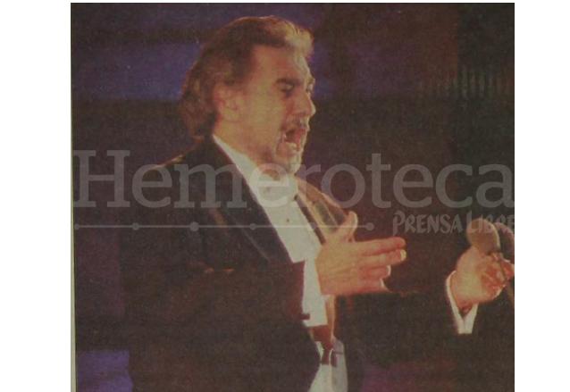 Plácido Domingo acapara el corazón de los chapines durante su presentación en el Mateo Flores. 15/3/1998, (Foto: Hemeroteca PL)
