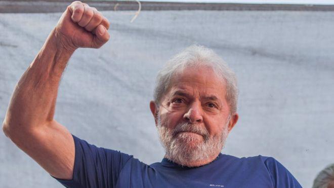 Lula tendrá que esperar a la decisión del Tribunal Electoral para saber si es eliminado de la carrera presidencial. GETTY IMAGES