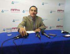 Carlos Figueroa le pide a los equipos y la Federación que encuentren el camino para solucionar la situación del futbol guatemalteco. (Foto Prensa Libre: Jorge Ovalle)
