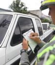 Los multas que emiten los agentes de Emetra pueden ser apeladas para diminuir o anular la sanción. (Foto Prensa Libre: Hemeroteca PL)